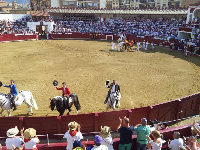 Tercera de abono en Estella con 'Puerta grande' para los rejoneadores