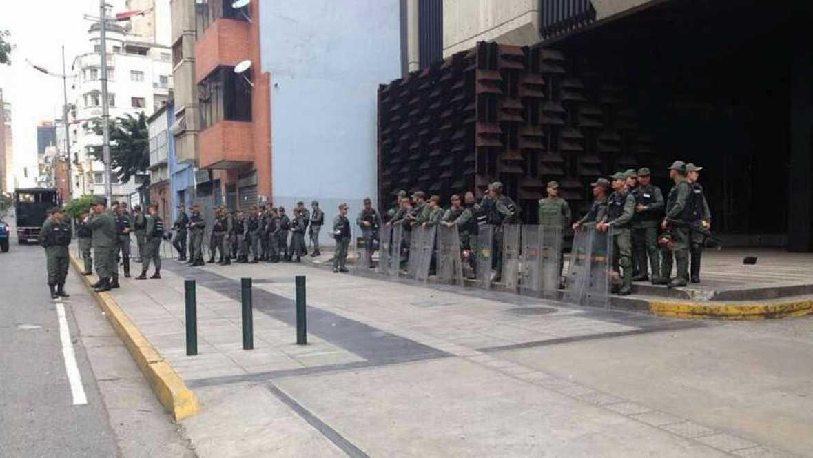La Constituyente destituye a la fiscal general, mientras la Guardia Bolivariana rodea la sede del Ministerio Público