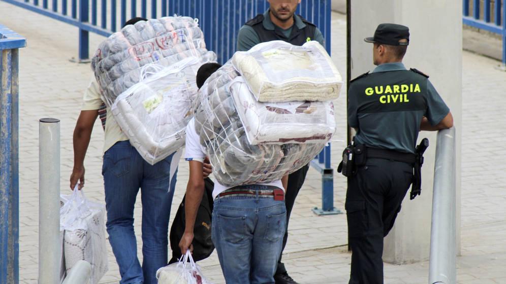 Dos porteadoras marroquíes muertas hoy en una avalancha en la frontera con Ceuta