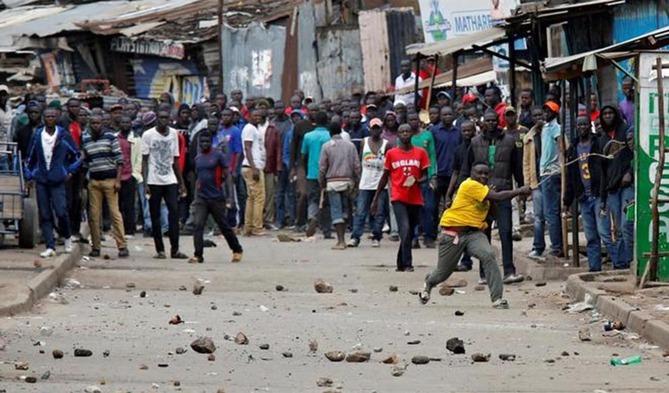 Más de cien muertos por la Policía en protestas de Kenia, según la oposición