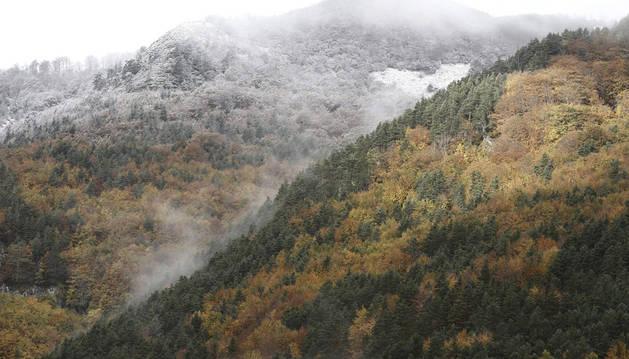 Nieve en el Pirineo navarro por encima de 2.400 metros en pleno agosto