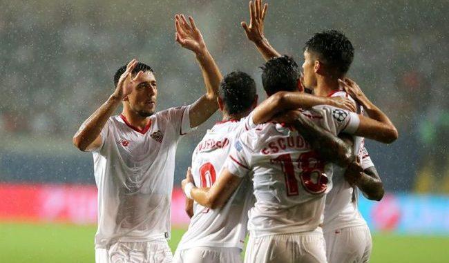 Sarabia, Andre Silva y Vaclik conducen al Sevilla al liderato