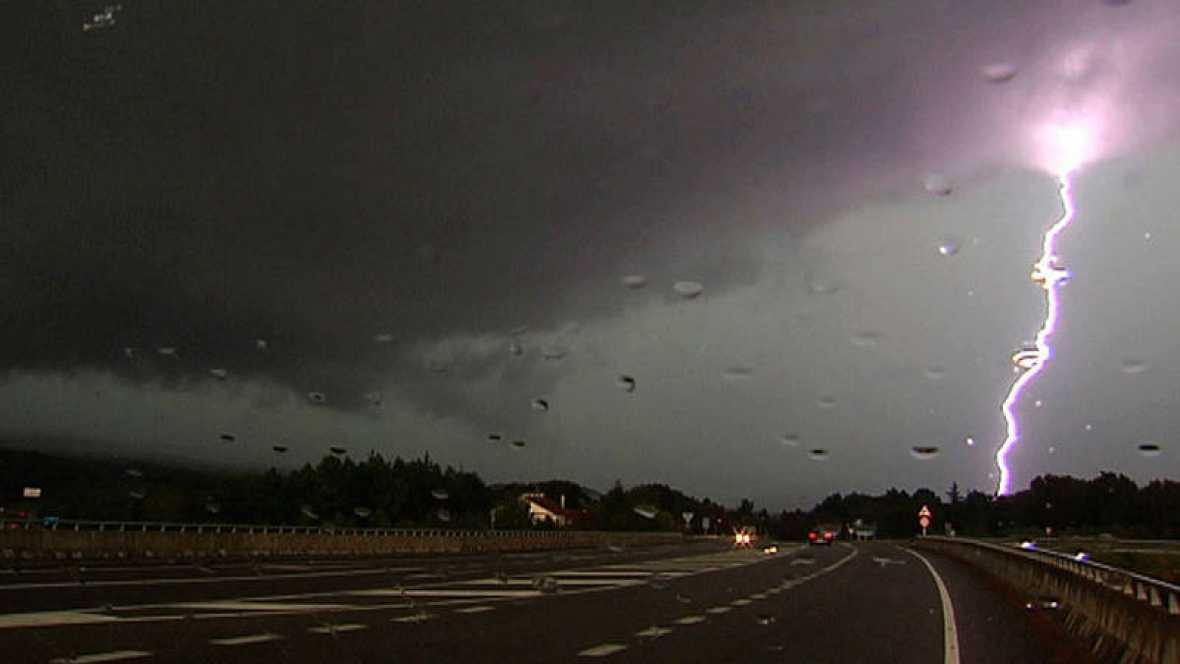 Las tormentas persisten y ponen en alerta a 20 provincias de 12 comunidades