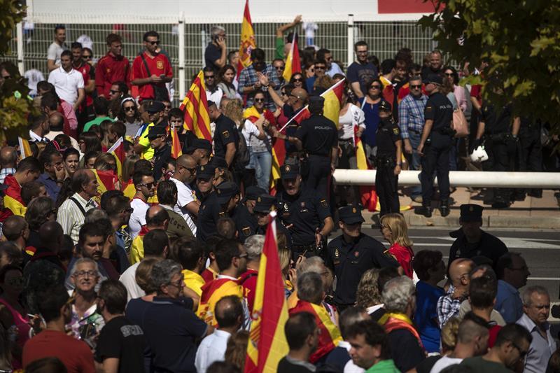 Agreden a la presidenta de las Cortes Aragón durante el acto de Podemos