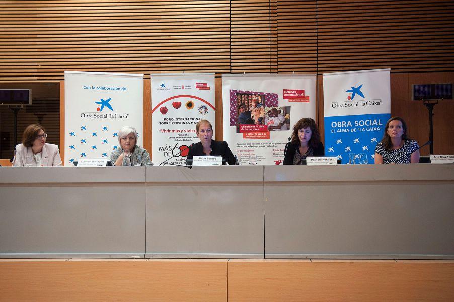 """La Presidenta Barkos reivindica el importante capital """"humano, intelectual y social"""" que aportan las personas mayores"""