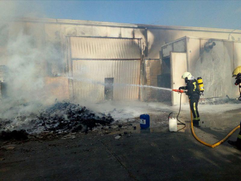 Sofocado un incendio en una empresa de Gazólaz