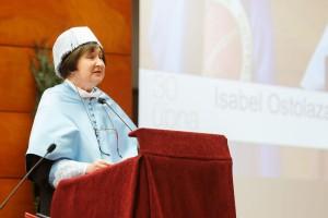 La catedrática Isabel Ostolaza ha dictado la lección inaugura