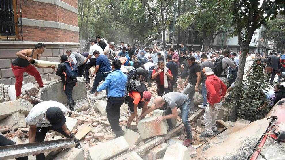 Suman 331 los fallecidos por el terremoto del 19 de septiembre en México