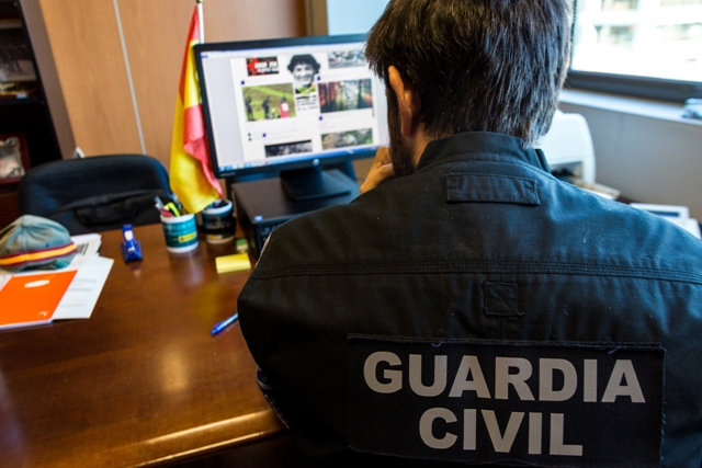 Detenidas 5 personas por enaltecimiento del terrorismo en redes sociales en Navarra, Asturias y Barcelona
