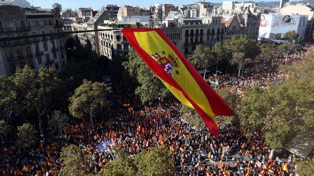 Más de un millón de personas se manifiestan en Barcelona en defensa de la unidad de España