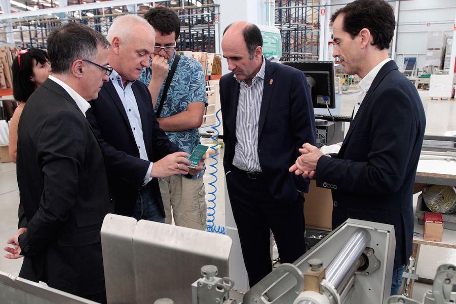 El vicepresidente Ayerdi visita Sofidel Spain, la planta productora de papel tisú de Buñuel
