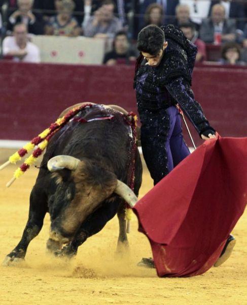 Alejandro Talavante sale a hombros y marca la diferencia en Zaragoza