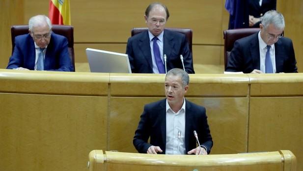 El PSOE ruega a Rajoy que acepte la reversibilidad del 155: si no se arrepentirá
