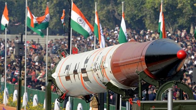 El jefe de la Fuerza Aérea india dice que puede atacar los objetivos nucleares en Pakistán