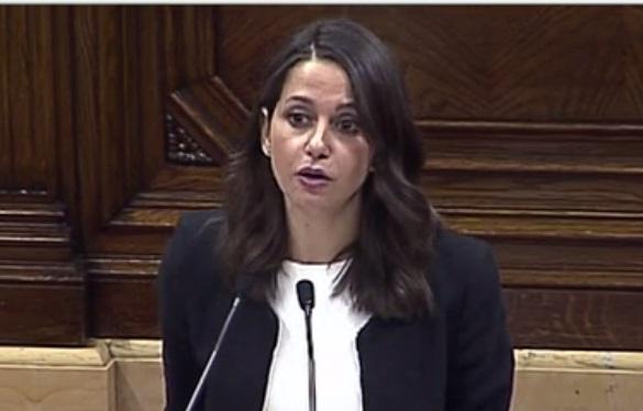 Arrimadas pide al PP y PSC un pacto previo de apoyo a la lista más votada 21D
