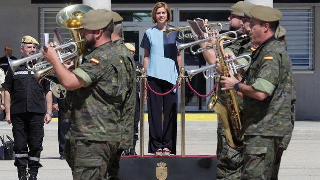 """Cospedal advierte a independentistas de que caerán """"bajo el peso de la ley"""""""
