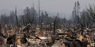 Los bomberos no logran controlar los fuegos de California que han dejado 28 muertos