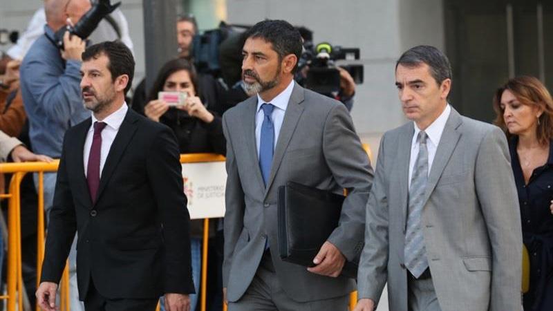 La Fiscalía pide prisión incondicional para Trapero por la inacción de los Mossos