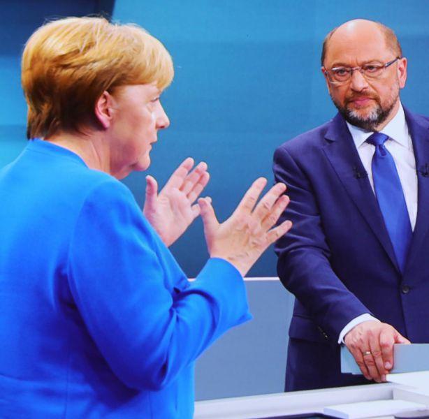 Merkel y Schulz afrontan la complicada fase final de las negociaciones de gobierno