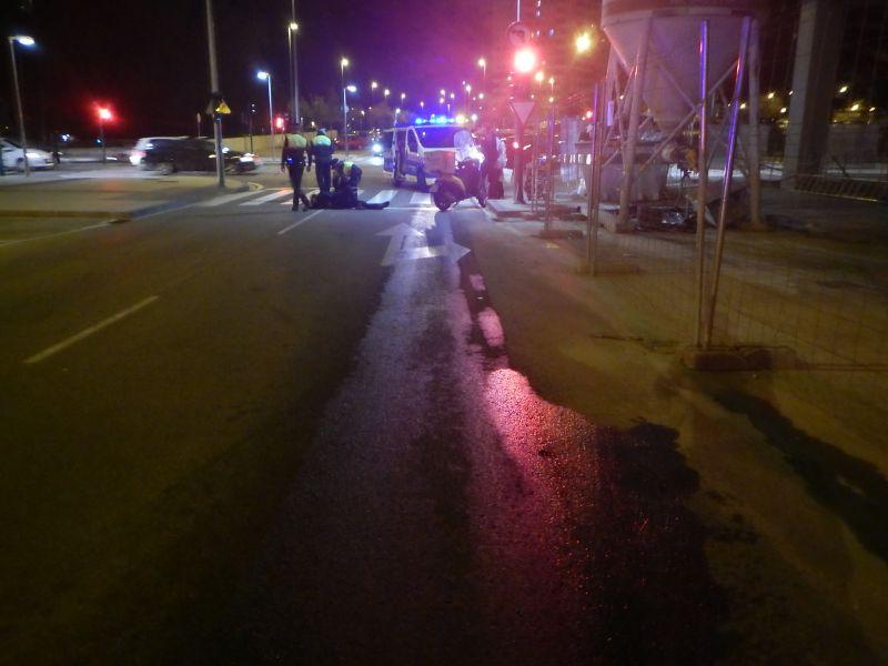 Herido un motorista tras caer al resbalar en una mancha de aceite