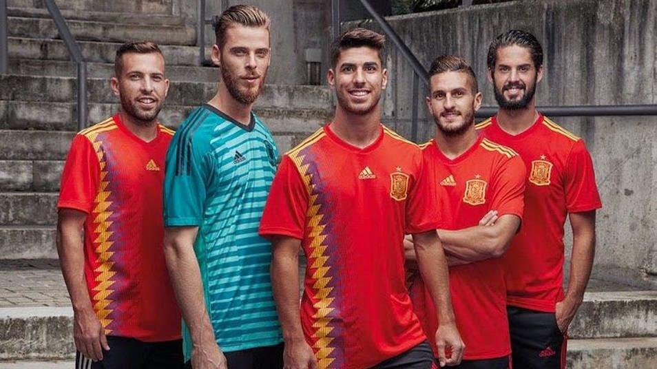 """Polémica en redes por la camiseta """"republicana"""" de España para el Mundial de Rusia"""