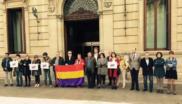 Protesta de parlamentarios por el ingreso en prisión de los independentistas catalanes