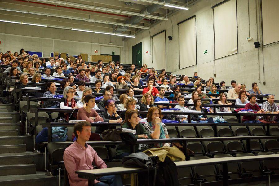 Cerca de 200 docentes asisten a la V Jornada de Enseñanza de las Matemáticas en Navarra celebrada en la UPNA
