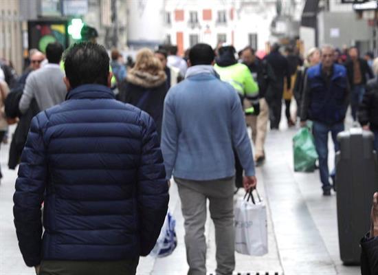 La población española inscrita en Navarra y residente en extranjero aumenta un 4,3%