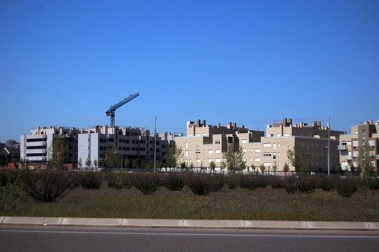 La vivienda sube el 4,2 % en el cuarto trimestre y frena el repunte en Cataluña
