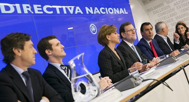 Rajoy insiste en que agotará la legislatura y no ve extrapolables a España los resultados