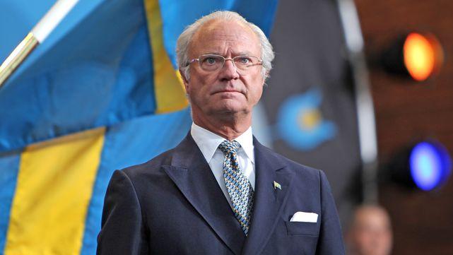 El rey Carlos Gustavo de Suecia entrega  los Premios Nobel