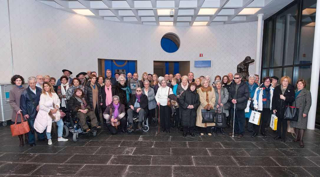 """Familiares de presos del Fuerte de San Cristóbal asisten a la presentación del libro """"Tejiendo Redes"""""""
