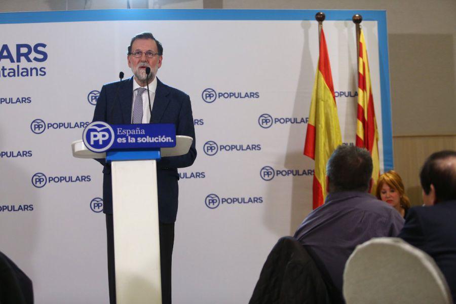 """Rajoy pide un """"último arreón"""" para convencer a indecisos de que voten al PP"""