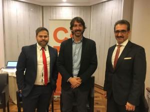 De izda a dcha. Danny Imízcoz, CEAT; Sergio del Campo, Ciudadanos; Juan Carlos Equiza, ATA.