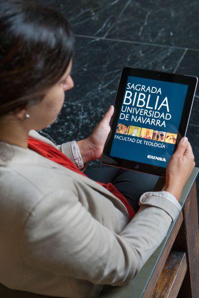 La Biblia digital de la Universidad de Navarra, entre los 'ebooks' más vendidos de 2017 en España