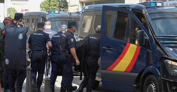 Salen de Cataluña los últimos agentes desplegados por el referéndum del 1-0