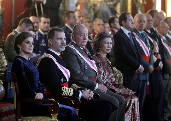 El Rey de España renuncia a la herencia de su padre y le retira su asignación