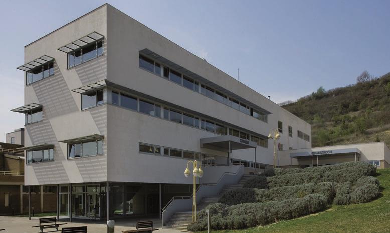 El Hospital García Orcoyen de Estella habilita una nueva UCI con ocho puestos y equipamiento de última generación