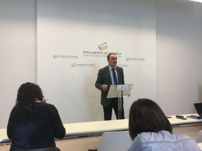 Javier Esparza: «Barkos parece la delegada del Gobierno Vasco en Navarra»