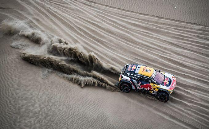 Peterhansel refuerza su liderato en autos al ganar la quinta etapa y Loeb abandona el Dakar