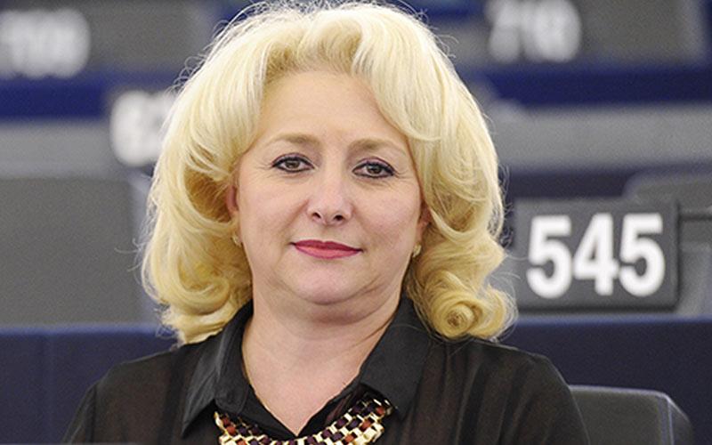 La socialdemócrata Viorica Dancila es investida primera ministra de Rumanía