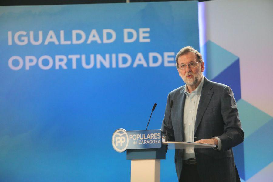 La mayoría de votantes del PP quieren que Rajoy repita como candidato, según un sondeo