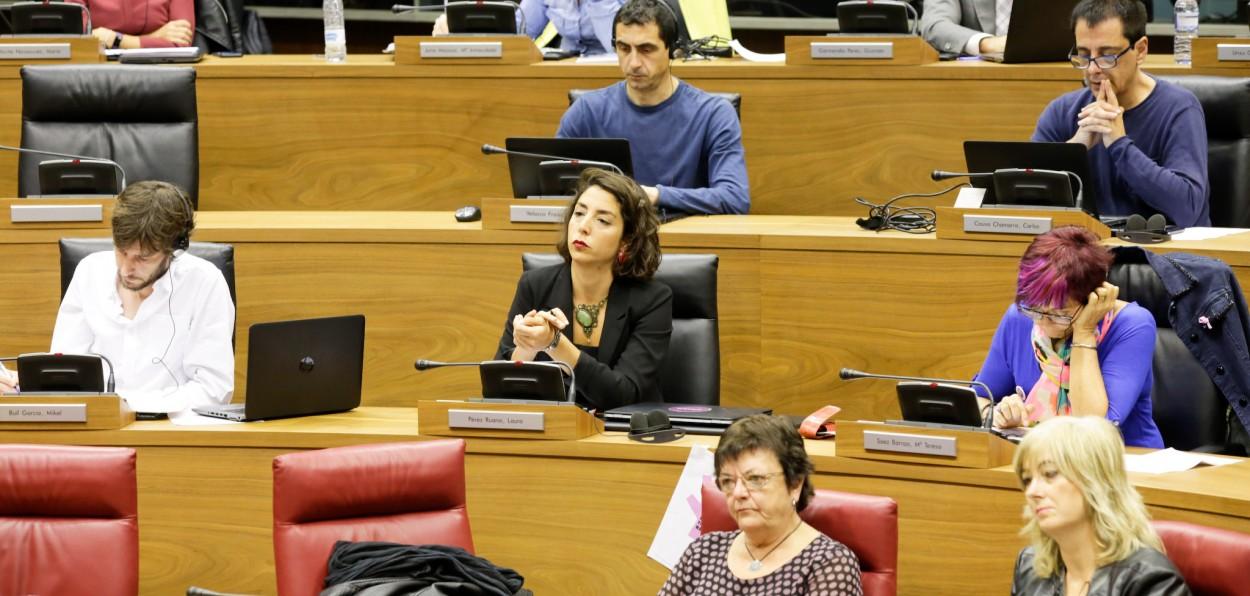 El grupo parlamentario de Podemos asiste con normalidad al pleno pese a crisis interna