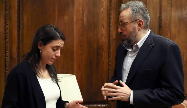 La reforma electoral de Podemos y Ciudadanos choca con la cautela del PSOE
