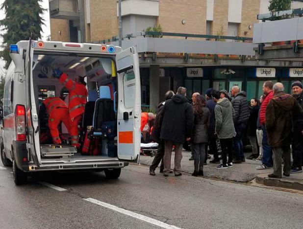 Seis personas tiroteadas y heridas en un ataque racista en Italia