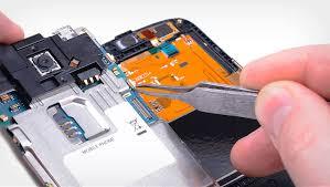 Aumentan los negocios no profesionales de reparación de móviles