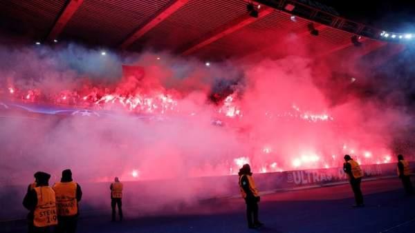 La UEFA cierra parcialmente el estadio del PSG y le multa con 43.000 euros
