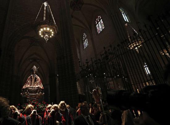 San Fermín sale de San Lorenzo a la Catedral para la Procesión en el Año Jubilar. EFE/Jesús Diges