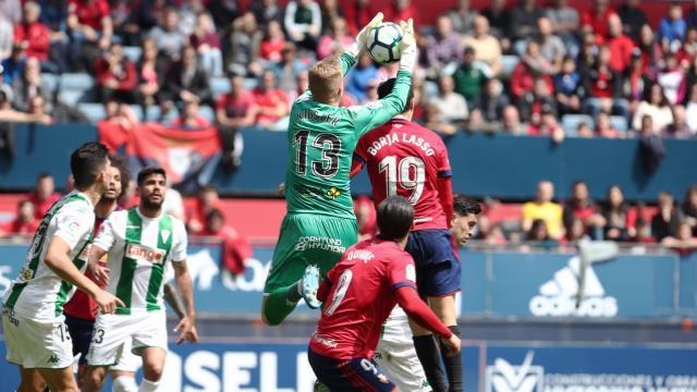 1-1. Osasuna vuelve a decepcionar en casa pese al empate con golazo de Lasso