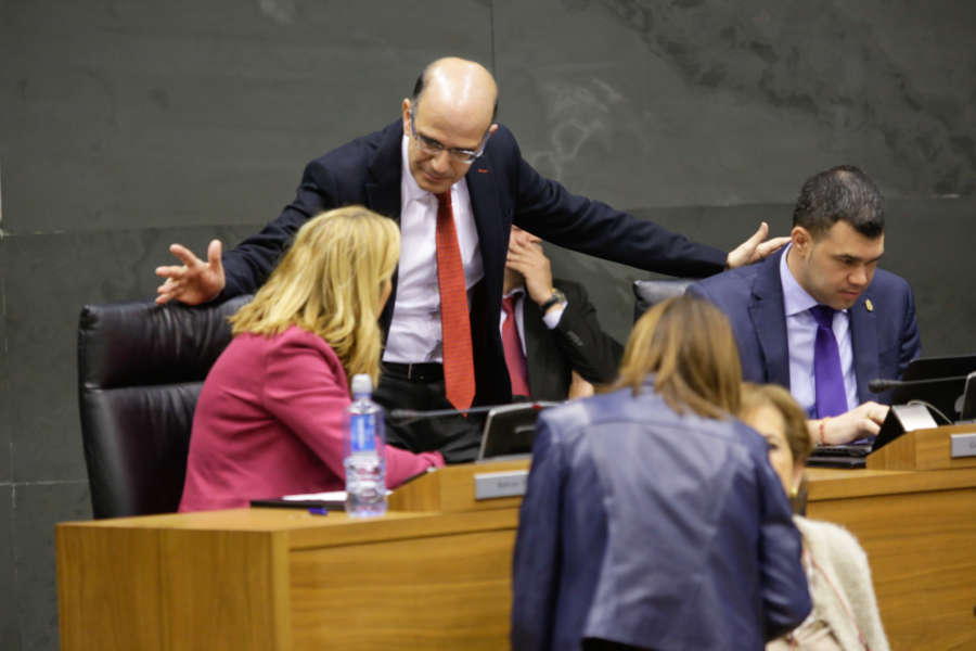 El Parlamento de Navarra rechaza la implantación del PAI como modelo lingüístico
